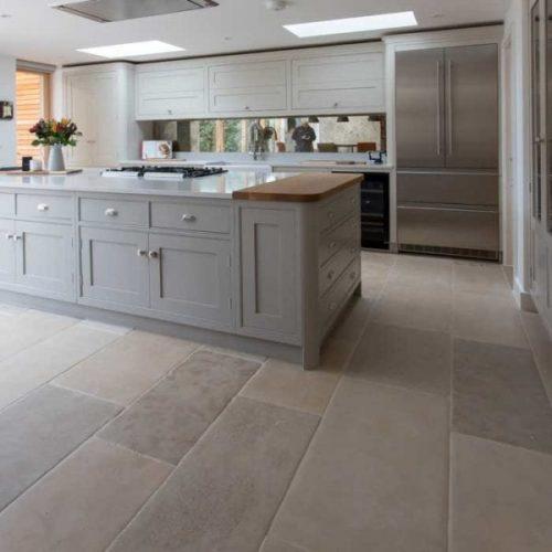 Montpellier-antiqued-limestone-floor-600x600